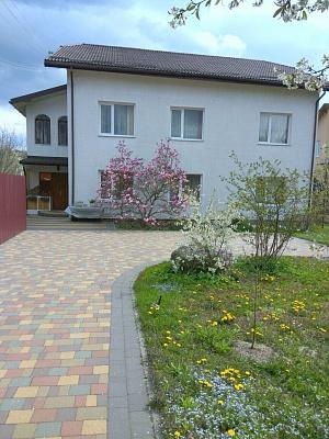 Дом  посуточно в Моршине. ул. Привокзальная, 11а. Фото 1