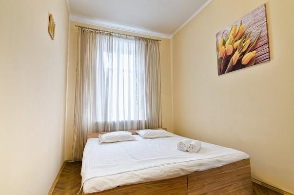 2-комнатная квартира посуточно в Львове. Галицкий район, ул. Кулиша, 10. Фото 1