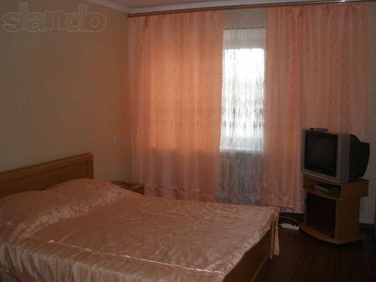 1-комнатная квартира посуточно в Мелитополе. ул. Гвардейская, 18. Фото 1
