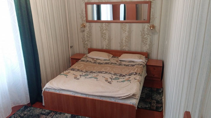 2-комнатная квартира посуточно в Белой Церкви. ул. Вокзальная, 5. Фото 1
