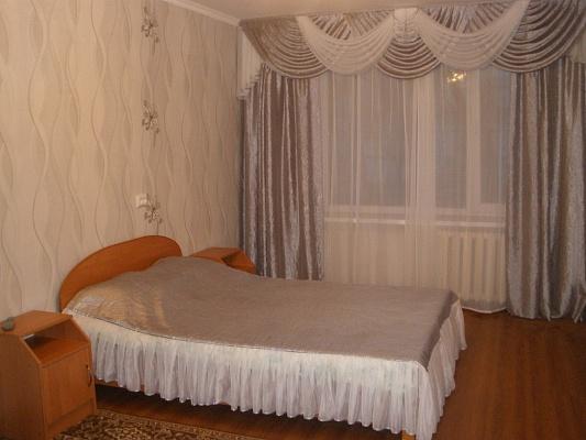 2-комнатная квартира посуточно в Мелитополе. ул. Гвардейская, 25. Фото 1