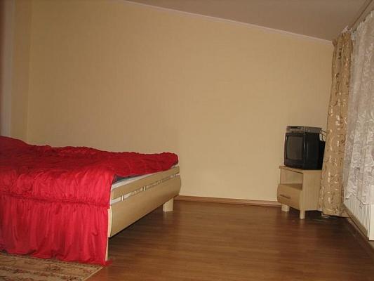 2-комнатная квартира посуточно в Львове. Галицкий район, пр-т. Свободы, 43. Фото 1