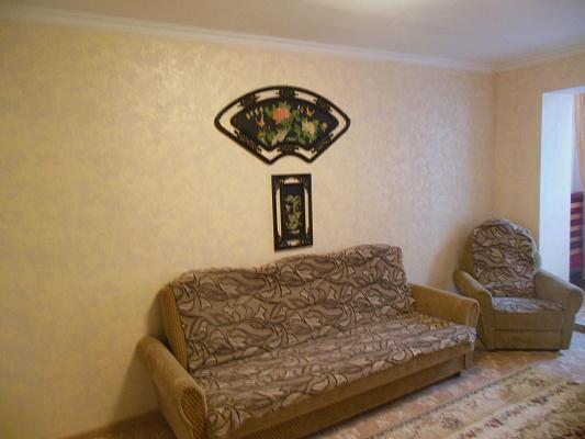 1-комнатная квартира посуточно в Ильичёвске. ул. Данченко, 3. Фото 1