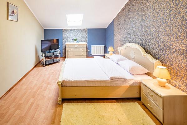 2-комнатная квартира посуточно в Львове. Галицкий район, ул. Огиенко, 17. Фото 1