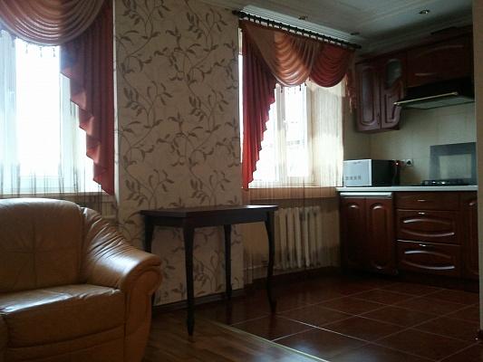 3-комнатная квартира посуточно в Мелитополе. ул. Гризодубовой, 55. Фото 1
