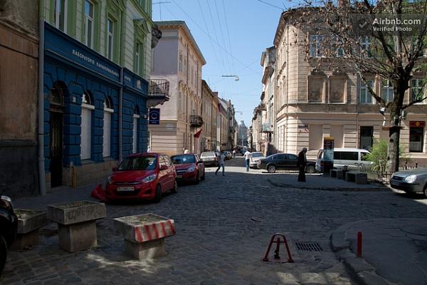 3-комнатная квартира посуточно в Львове. Галицкий район, ул. Братьев Рогатинцев. Фото 1