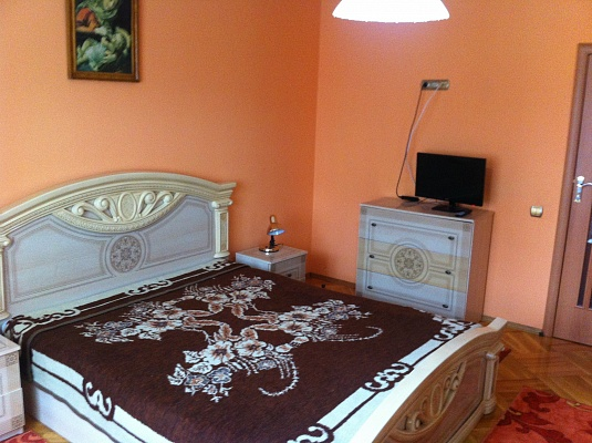 2-комнатная квартира посуточно в Трускавце. ул. Cкоропадского. Фото 1