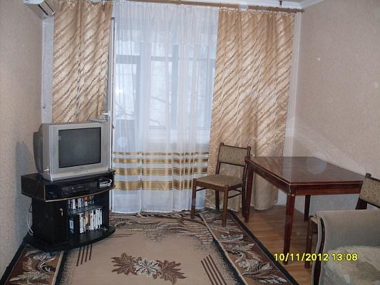 2-комнатная квартира посуточно в Северодонецке. ул. Маяковского , 17. Фото 1