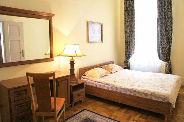 2-комнатная квартира посуточно в Львове. Галицкий район, ул. Пешая, 1. Фото 1