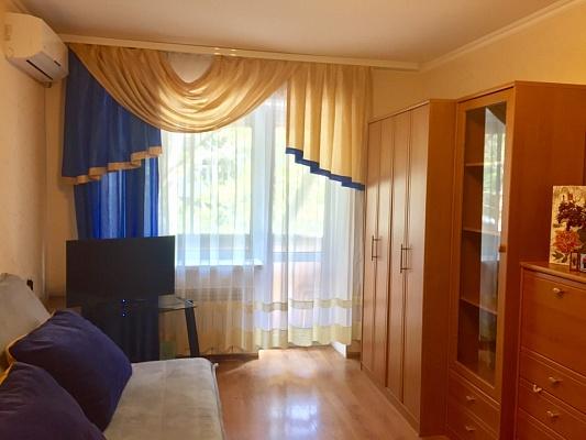 1-комнатная квартира посуточно в Одессе. Приморский район, ул. Сегедская, 8. Фото 1