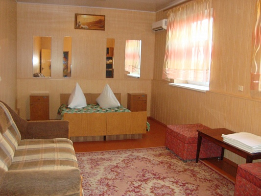 Комната  посуточно в Геническе. ул. Курортная, 28. Фото 1