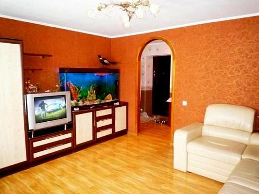 2-комнатная квартира посуточно в Черкассах. б-р Шевченка, 376. Фото 1