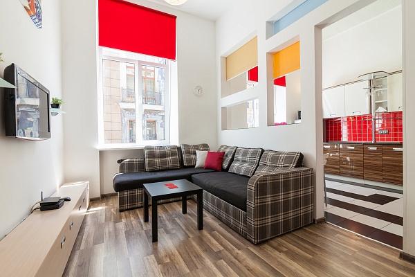 2-комнатная квартира посуточно в Львове. Галицкий район, ул. Александра Фредра, 6. Фото 1