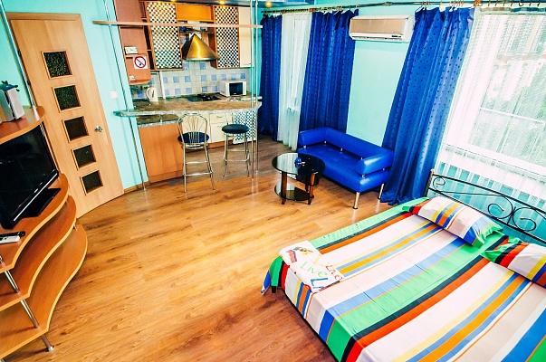 1-комнатная квартира посуточно в Донецке. Ворошиловский район, пл. Конституции, 5. Фото 1