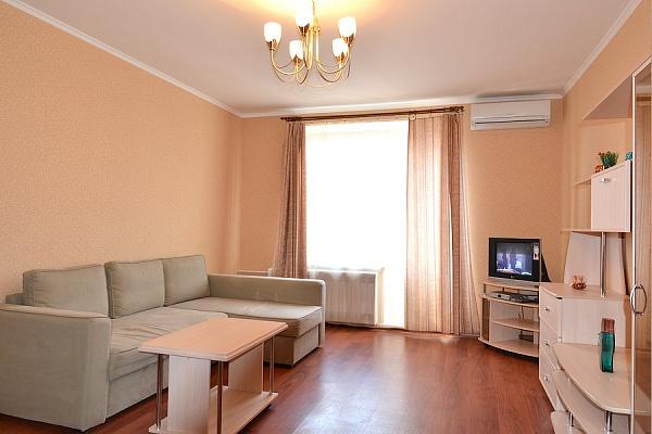 2-комнатная квартира посуточно в Львове. Галицкий район, ул. Братьев Рогатинцев, 21. Фото 1
