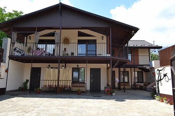 Мини-отель  посуточно в Каменце-Подольском. ул. Бусыгина, 3. Фото 1