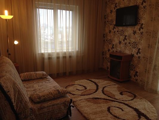 1-комнатная квартира посуточно в Бердянске. пр. Пролетарский , 228. Фото 1