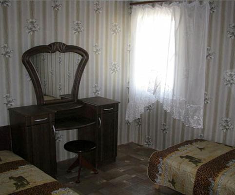 Дом  посуточно в Бердянске. ул. Мазепы, 14. Фото 1