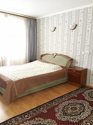 2-комнатная квартира посуточно в Черновцах. Шевченковский район, пр-т Независимости, 115. Фото 1