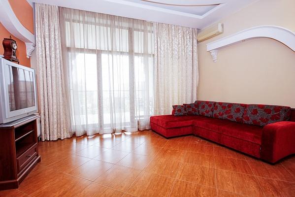 2-комнатная квартира посуточно в Одессе. Гагаринское Плато, 5/3. Фото 1
