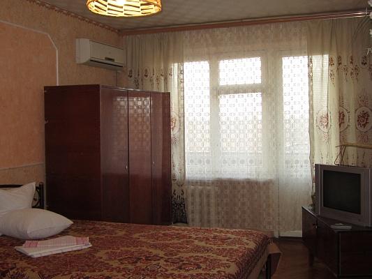 1-комнатная квартира посуточно в Мариуполе. пр-т Строителей, 29. Фото 1