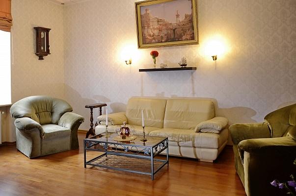 2-комнатная квартира посуточно в Львове. Галицкий район, пл. Катедральная, 6. Фото 1