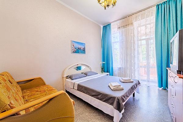 2-комнатная квартира посуточно в Одессе. Приморский район, ул. Преображенская, 71. Фото 1