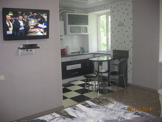 1-комнатная квартира посуточно в Черкассах. ул. Благовестная, 156. Фото 1