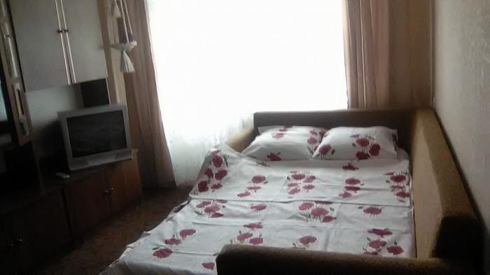 2-комнатная квартира посуточно в Ровно. ул. Гагарина, 8-В. Фото 1