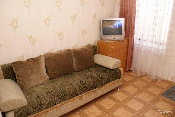 3-комнатная квартира посуточно в Шостке. ул. Рабочая, 5. Фото 1