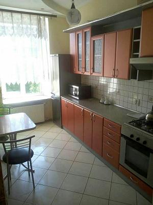 2-комнатная квартира посуточно в Львове. Галицкий район, ул. Валовая, 16. Фото 1