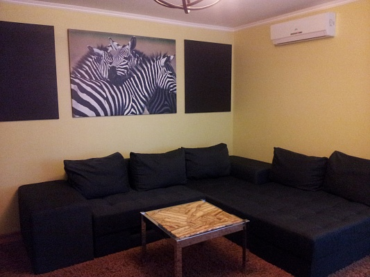 2-комнатная квартира посуточно в Тернополе. ул. Шашкевича, 11. Фото 1