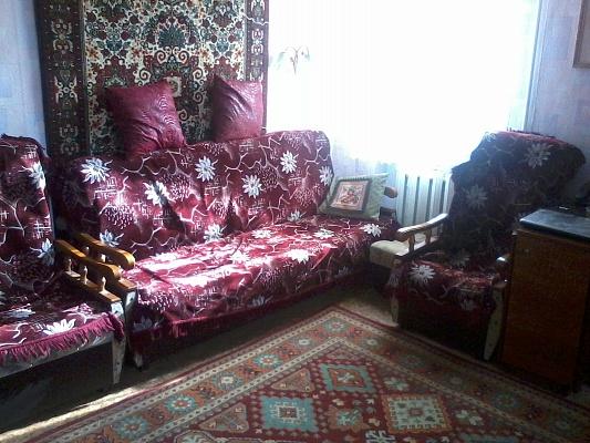 1-комнатная квартира посуточно в Евпатории. пр-т Ленина, 17. Фото 1