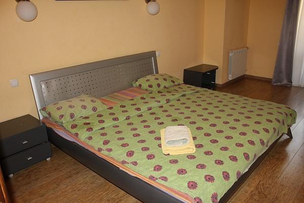 3-комнатная квартира посуточно в Киеве. Печерский район, Бассейная , 5 кв.11. Фото 1