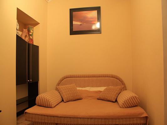 1-комнатная квартира посуточно в Львове. Железнодорожный район, ул. Городоцкая, 54. Фото 1