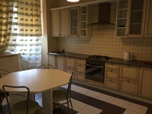 3-комнатная квартира посуточно в Львове. Галицкий район, пр-т Шевченко, 7. Фото 1