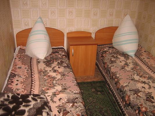 Дом  посуточно в Железном Порту. ул. Морская, 3. Фото 1