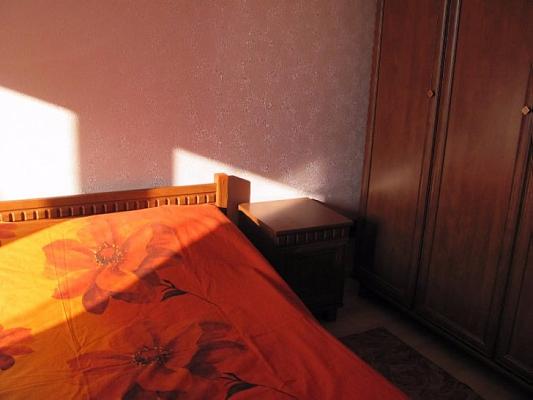 1-комнатная квартира посуточно в Мариуполе. Центральный район, пр-т Мира (Ленина), 77. Фото 1