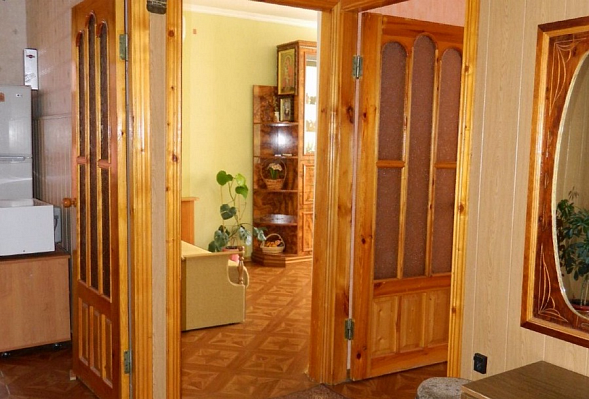 2-комнатная квартира посуточно в Судаке. ул. Партизанская, 15. Фото 1