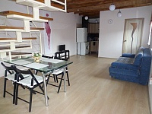 2-комнатная квартира посуточно в Ужгороде. ул. Фединца, 62. Фото 1