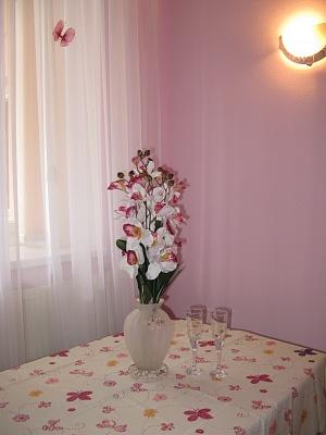 1-комнатная квартира посуточно в Симферополе. Центральный район, пр-т Кирова, 26. Фото 1