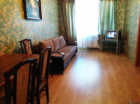 3-комнатная квартира посуточно в Харькове. Дзержинский район, ул. Сумская, 63. Фото 1