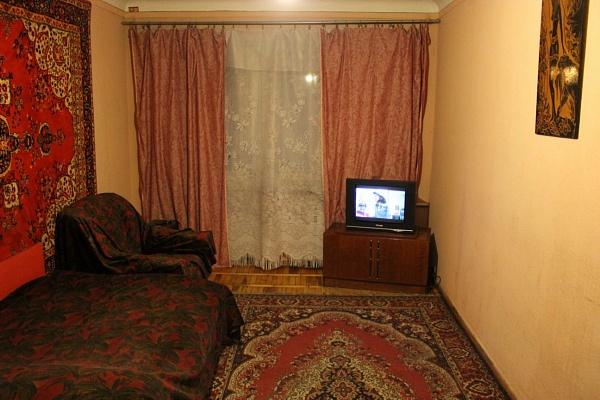 2-комнатная квартира посуточно в Мелитополе. пр-т Хмельницкого, 71. Фото 1