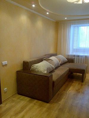 1-комнатная квартира посуточно в Ровно. ул. Мирющенка, 23а. Фото 1