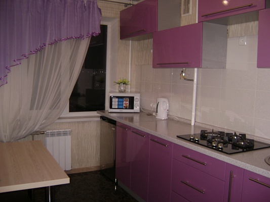 2-комнатная квартира посуточно в Мариуполе. пр-т Ленина, 97. Фото 1
