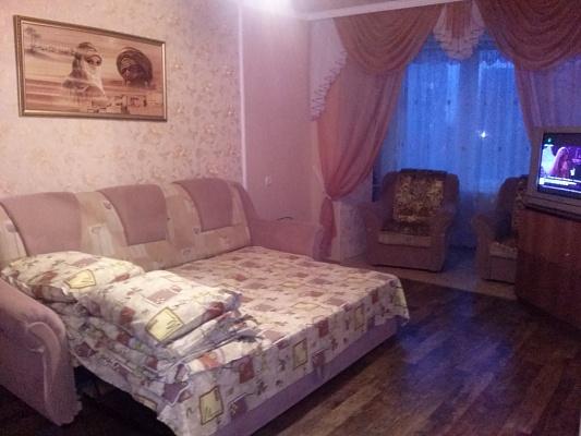 2-комнатная квартира посуточно в Мариуполе. пр-т Ленина, 104. Фото 1