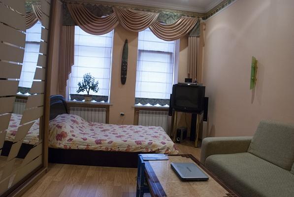 1-комнатная квартира посуточно в Львове. Галицкий район, ул. Глубокая, 3. Фото 1