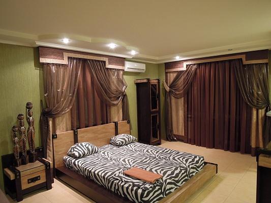 1-комнатная квартира посуточно в Симферополе. Железнодорожный район, ул. Гагарина, 14. Фото 1