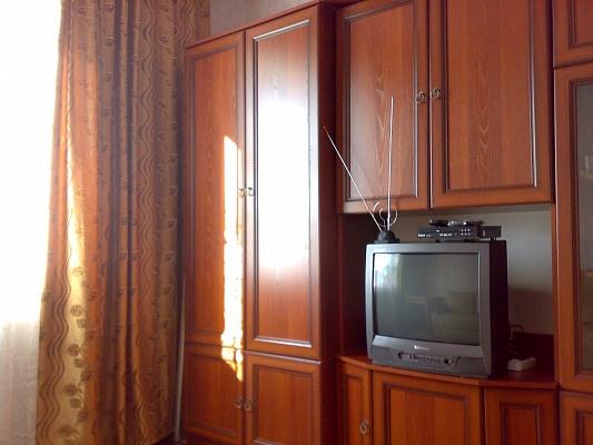 1-комнатная квартира посуточно в Алупке. Коминтерновский район, Ул. Державинская, 13. Фото 1