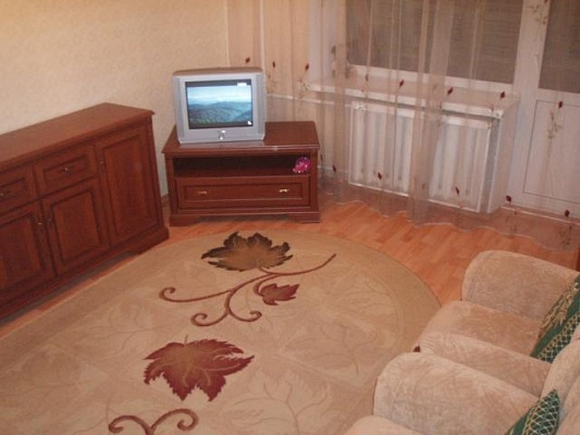 2-комнатная квартира посуточно в Житомире. ул. Киевская, 55. Фото 1